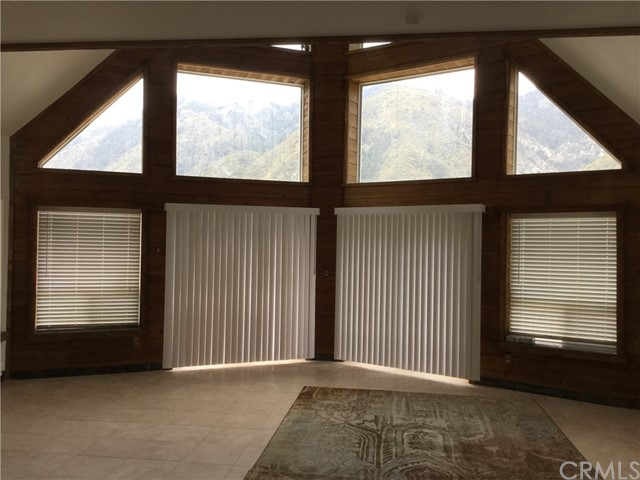 680 Big Rock Road, Lytle Creek CA: http://media.crmls.org/medias/67a7d989-faa6-4863-b2d3-4a2cd3747c5e.jpg