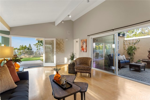Detail Gallery Image 1 of 1 For 6583 E Calle Del Norte, Anaheim Hills, CA 92807 - 3 Beds | 2 Baths