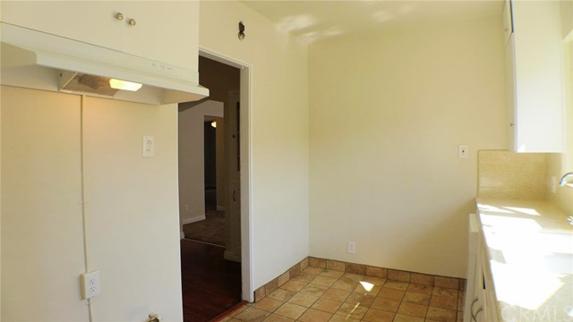 428 E Osgood St, Long Beach, CA 90805 Photo 21