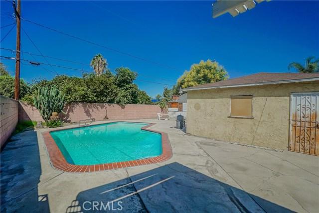 10433 Bryson Avenue, South Gate CA: http://media.crmls.org/medias/67b9c068-954f-4ff4-86a3-9351ce6dd43e.jpg