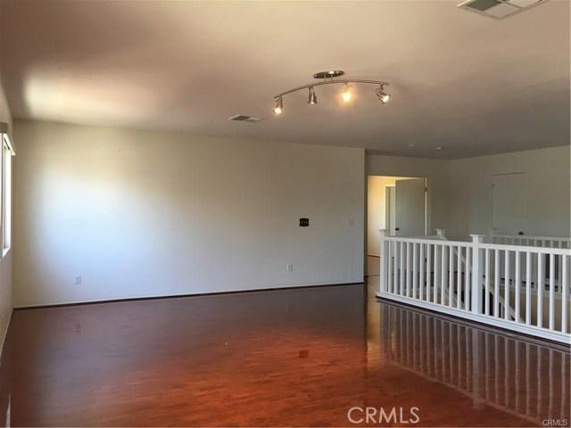 13594 Silversand Street Victorville CA 92394