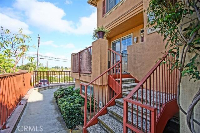 300 W Summerfield Cr, Anaheim, CA 92802 Photo 4