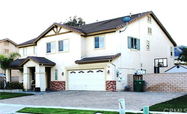 1078 Benedict Circle, Corona CA: http://media.crmls.org/medias/67d963f1-94b4-47d2-a573-5442c3b815fa.jpg