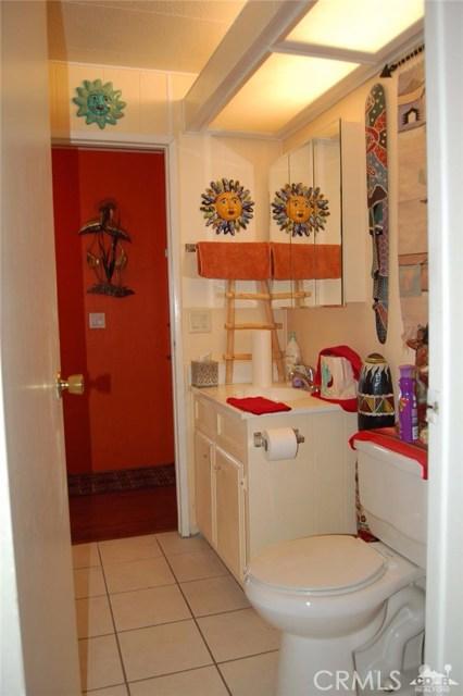 121 Via Valverde, Cathedral City CA: http://media.crmls.org/medias/67dc7e3e-66cc-4a9d-947b-904666a0c741.jpg