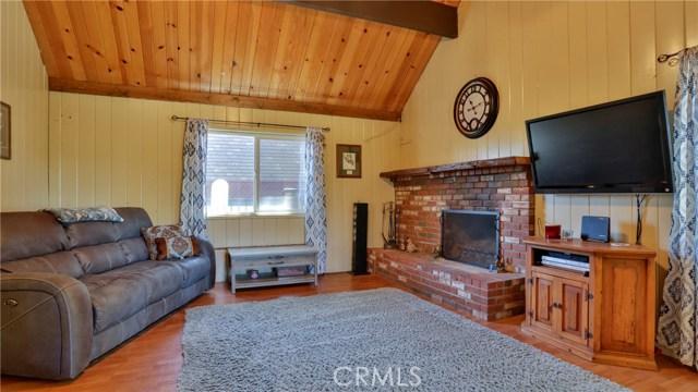 1305 Grass Valley Road, Lake Arrowhead CA: http://media.crmls.org/medias/67def343-0f79-4293-b32c-2ee672f6c075.jpg