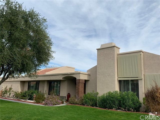 68107 Seven Oaks Drive, Cathedral City CA: http://media.crmls.org/medias/67df2b4d-efb5-40c8-ac2c-3db2b772dbaa.jpg