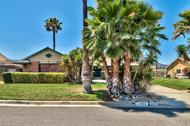 2000 Oakland Hills Drive Corona, CA 92882 is listed for sale as MLS Listing IV16151493
