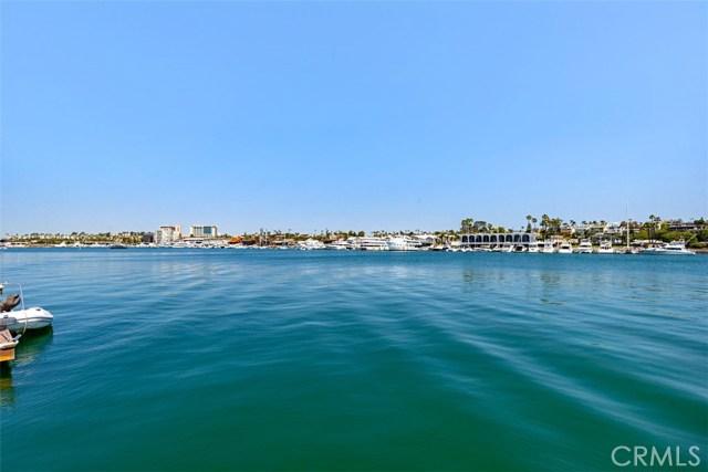 208 Via Lido Nord, Newport Beach CA: http://media.crmls.org/medias/67f4e469-aae3-43d4-946d-72554698060a.jpg