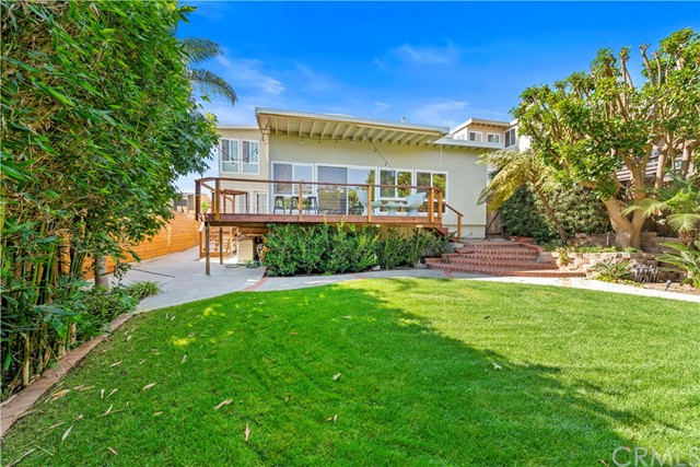 954 Miramar Street, Laguna Beach CA: http://media.crmls.org/medias/6801af79-385d-4b53-ae17-54ab8910ca04.jpg