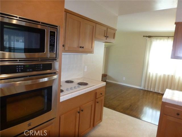 8122 Hazard Avenue, Midway City CA: http://media.crmls.org/medias/68025918-ebe7-4538-9413-471356a6a776.jpg