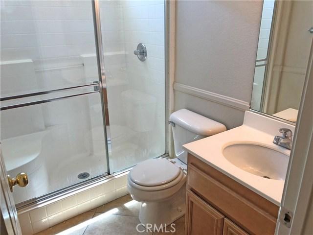 204 S Massachusetts Street, Lake Elsinore CA: http://media.crmls.org/medias/68115fab-d6da-45d6-ad32-58843ad3aa16.jpg