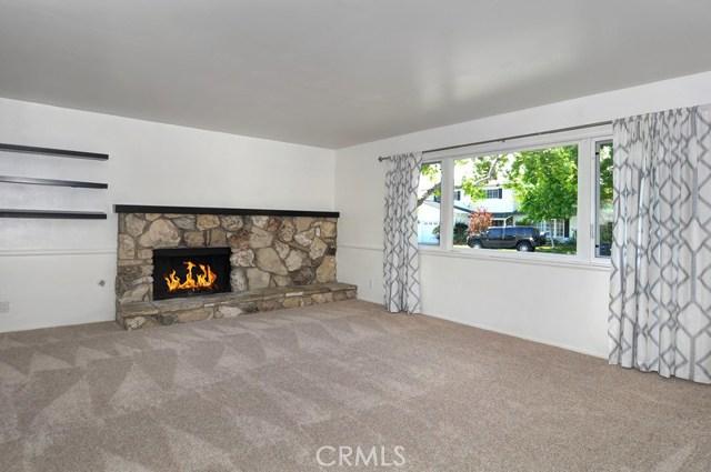 620 Michael Place, Newport Beach CA: http://media.crmls.org/medias/6819033b-f9a7-4c66-8c74-3ba4cd5d2518.jpg