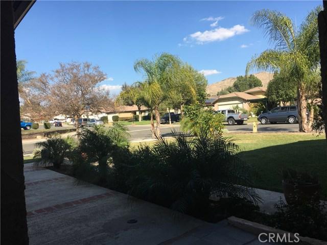 24103 Sandbow Street, Moreno Valley CA: http://media.crmls.org/medias/68218c3f-1a30-46ee-a330-9ebe7b4c038f.jpg
