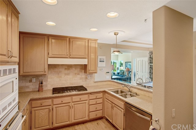106 Tennis Villas, Dana Point CA: http://media.crmls.org/medias/683557f4-4837-45d0-9b37-6ca185e93e98.jpg
