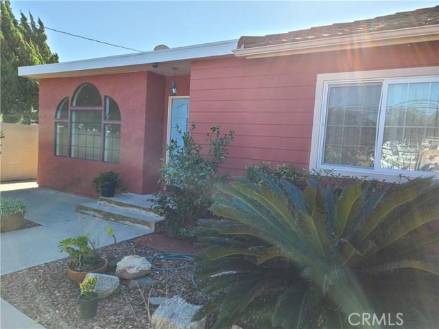 4842 Howard Avenue, Los Alamitos CA: http://media.crmls.org/medias/6838473f-077f-47cc-8c5e-a28636853861.jpg