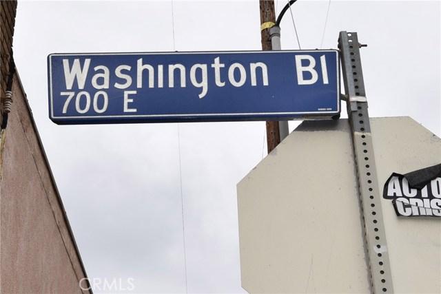 757 E Washington Boulevard, Los Angeles CA: http://media.crmls.org/medias/6844ea4c-68b1-41a5-ba91-637a32b3fdfb.jpg