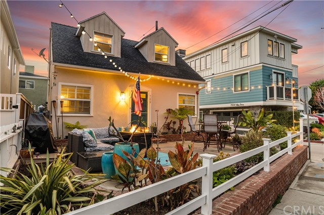 709 Valley Drive, Manhattan Beach, California 90266, 3 Bedrooms Bedrooms, ,2 BathroomsBathrooms,Single family residence,For Sale,Valley,SB19275843