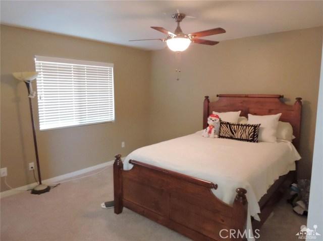 57130 Selecta Avenue, Yucca Valley CA: http://media.crmls.org/medias/684b5110-82c3-4c2a-9d29-dcc4d272e982.jpg