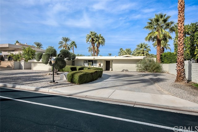 Single Family Home for Sale at 77130 Iroquois Drive 77130 Iroquois Drive Indian Wells, California 92210 United States