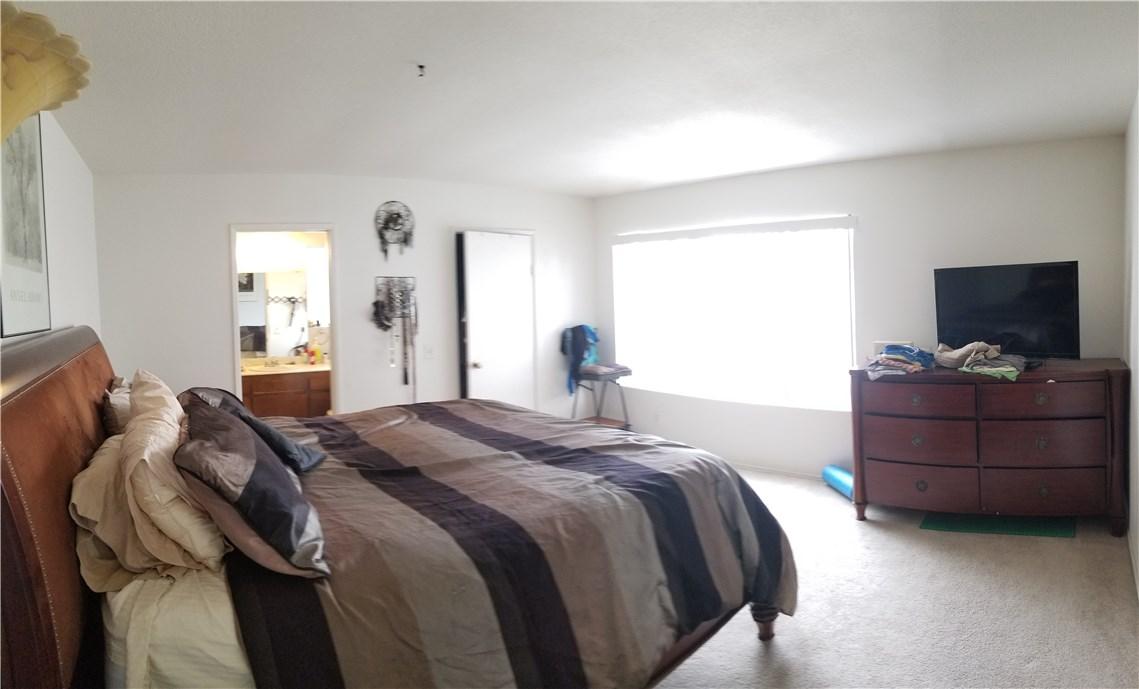 941 Baron Place, Escondido CA: http://media.crmls.org/medias/6854e7da-4da3-4319-a275-5562f762bf68.jpg