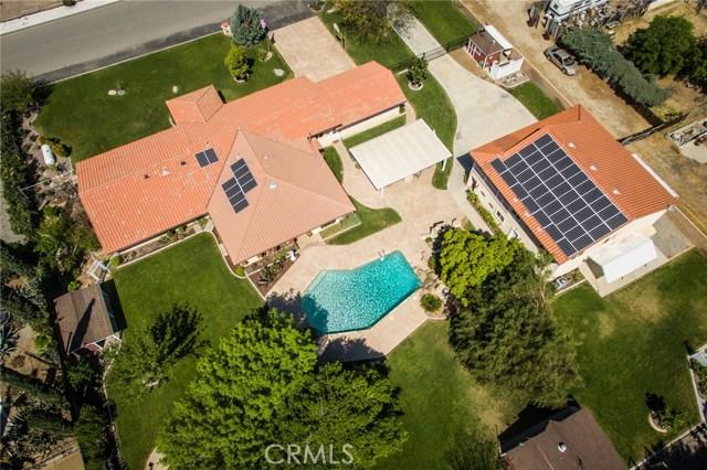30116 Emerald Lane, Hemet CA: http://media.crmls.org/medias/6871432e-8af5-49c2-acd3-2762467cb43d.jpg