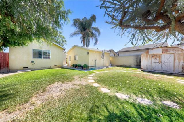 8324 Fontana Street, Downey CA: http://media.crmls.org/medias/6874366b-64d0-4528-9432-2614c18511c1.jpg