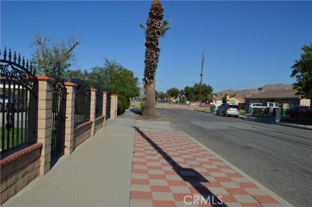 25474 Gentian Avenue, Moreno Valley CA: http://media.crmls.org/medias/68773bc2-6ce6-4fc1-b2fe-72bc78d40767.jpg
