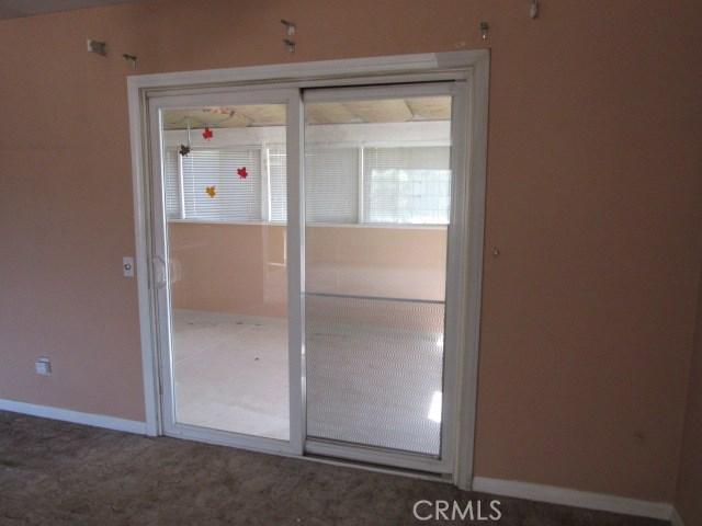 14708 Mojave Street, Hesperia CA: http://media.crmls.org/medias/68776b59-5862-42da-9d47-552572ade4e6.jpg