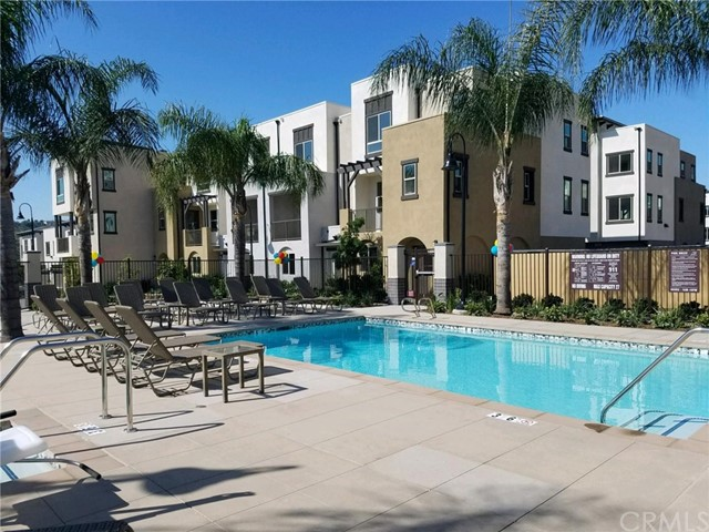 Verano Way, Vista, California 92081, 3 Bedrooms Bedrooms, ,3 BathroomsBathrooms,Condominium,Pending,Verano,SW20244940