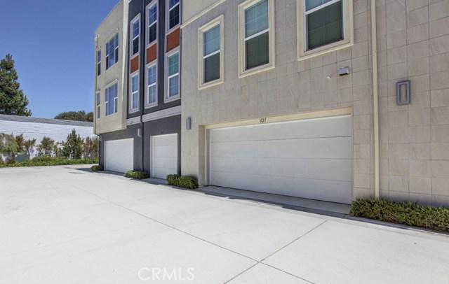 2021 Placentia Avenue, Costa Mesa CA: http://media.crmls.org/medias/6886c351-ba75-400e-ae4f-551df8cf99d8.jpg