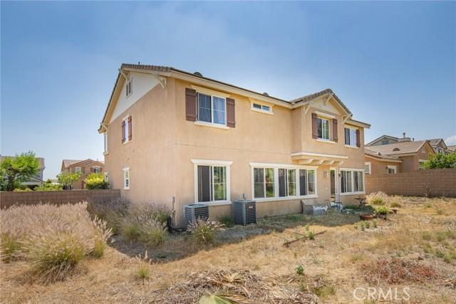 2902 Split Mountain Lane, San Bernardino CA: http://media.crmls.org/medias/68a127ef-68ac-4960-8581-dc1c337941d4.jpg