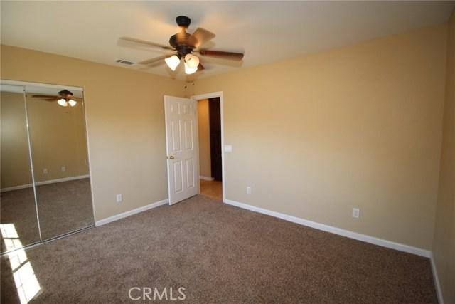 111 Manning Street, Lake Elsinore CA: http://media.crmls.org/medias/68a27223-65e2-4949-99f3-e548127cb847.jpg
