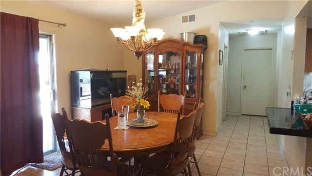 22523 Cottonwood Avenue, Moreno Valley CA: http://media.crmls.org/medias/68bd6570-5f10-4552-b2b9-4295fa6a6005.jpg