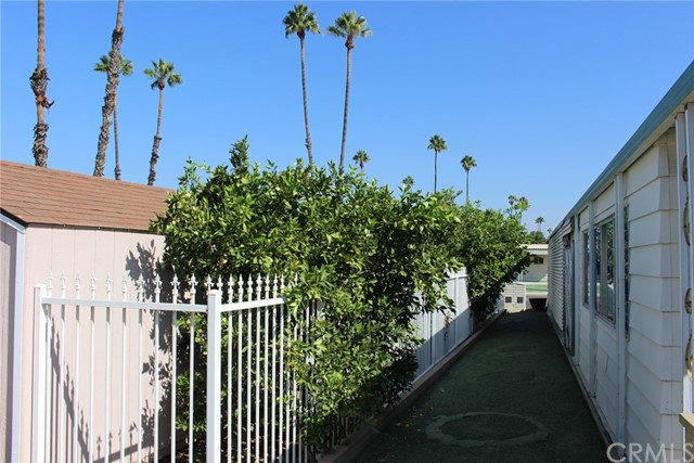 1675 W Johnston Avenue Hemet, CA 92543 - MLS #: SW17196515