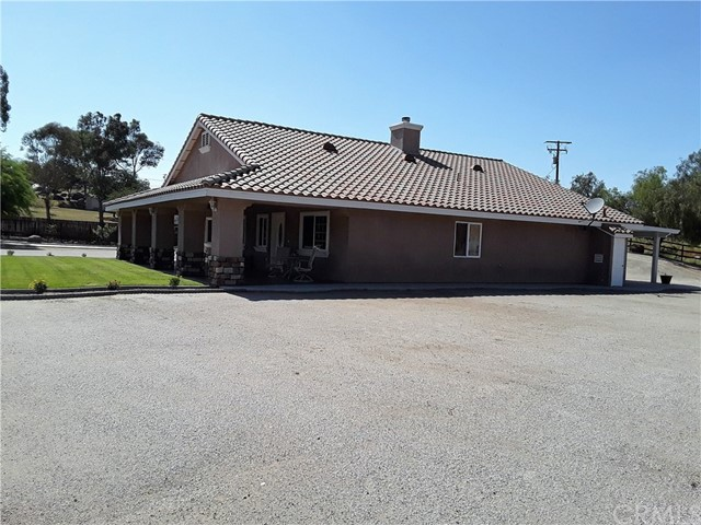 33865 Dutton Lane, Nuevo/Lakeview CA: http://media.crmls.org/medias/68c5efd5-b17e-478d-b5b3-32be217fea78.jpg