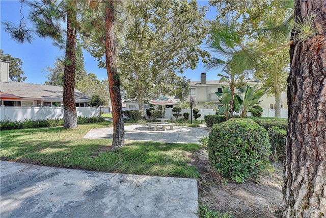 24986 Acacia Lane, Laguna Hills CA: http://media.crmls.org/medias/68d2e470-32de-4629-b6e1-fc4faee5d13b.jpg