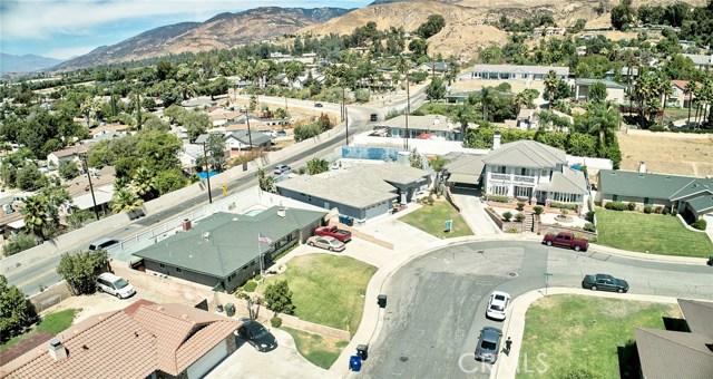1406 E Ralston Avenue, San Bernardino CA: http://media.crmls.org/medias/68ddcac3-5bad-4910-8406-c55e1b1ba196.jpg