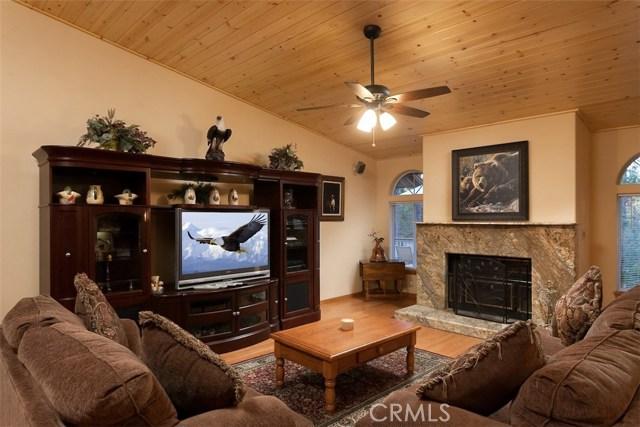 42336 Heavenly Valley Road, Big Bear CA: http://media.crmls.org/medias/68deff05-ce9c-49e4-a2de-beceadd89bd6.jpg