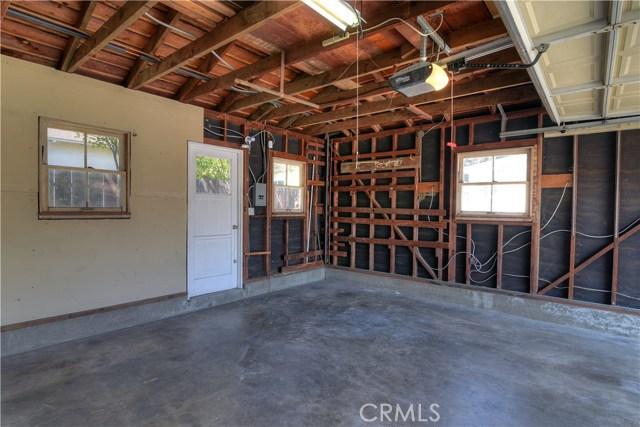 3501 Olive Avenue, Long Beach CA: http://media.crmls.org/medias/68ec4314-bf5e-4df3-a7ad-ac9b91910b8d.jpg