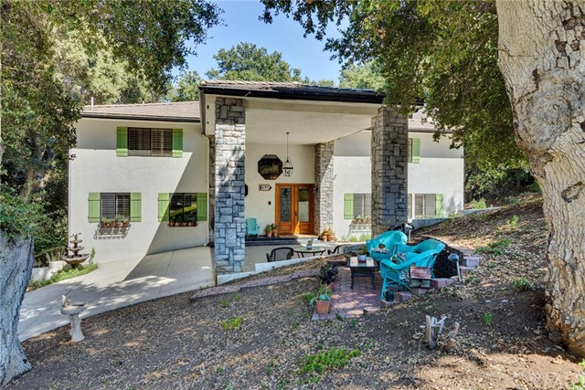 Detail Gallery Image 1 of 45 For 13559 Oak Mountain Dr, Yucaipa, CA 92399 - 4 Beds | 4/1 Baths