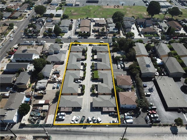 2077 Wallace Avenue, Costa Mesa CA: http://media.crmls.org/medias/68efd2a8-4655-4557-9441-4e393857bbaa.jpg