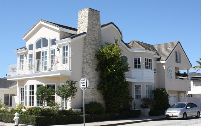 127 Crystal Avenue Newport Beach, CA 92662