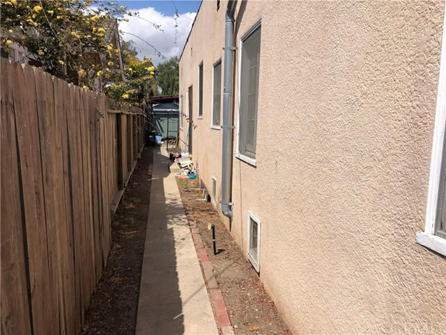 532 W 40th Street, San Pedro CA: http://media.crmls.org/medias/68f8a6ea-f743-48e9-bf8b-6ba6d1eb148c.jpg
