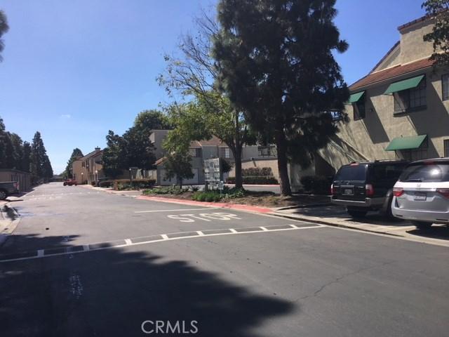 3599 W Greentree Cr, Anaheim, CA 92804 Photo 5