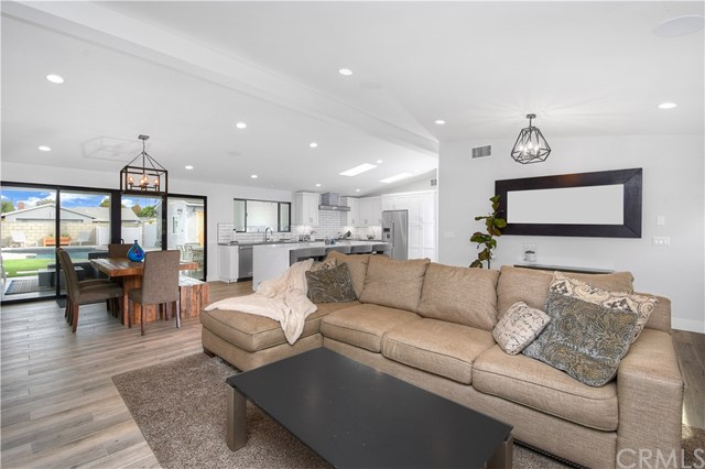 Single Family Home for Sale at 256 Palmer Street Costa Mesa, California 92627 United States