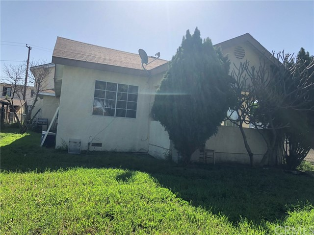 2326 Granada Avenue, South El Monte CA: http://media.crmls.org/medias/69145473-462a-4a12-8e04-69feec4adc93.jpg