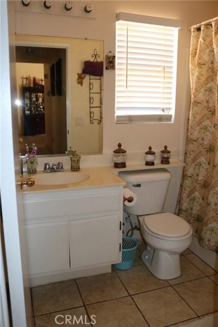 10695 Moorfield Street, Adelanto CA: http://media.crmls.org/medias/691afcae-5648-468d-b79b-9776c2c4ce60.jpg