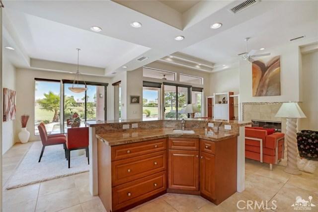 10 Via Haciendas, Rancho Mirage CA: http://media.crmls.org/medias/69279841-ab06-4b65-b453-a9b57e127be9.jpg