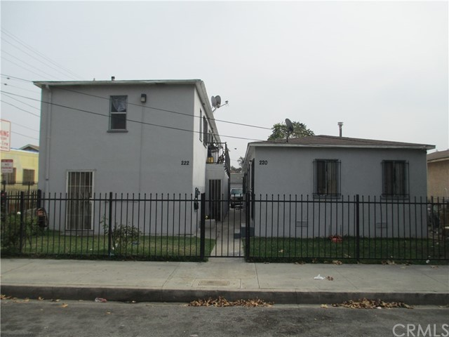 220 N Rose Avenue Unit 1 Compton, CA 90221 - MLS #: MB18080284