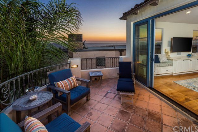 121 36th Place  Manhattan Beach CA 90266